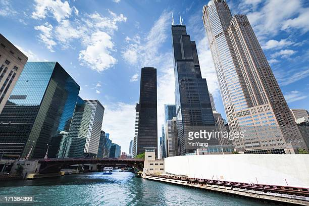 Chicago City Skyline with Willis Tower Along the River Hz
