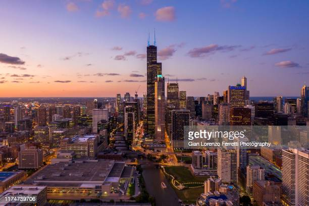 chicago cityscape at blue hour - chicago illinois stock pictures, royalty-free photos & images