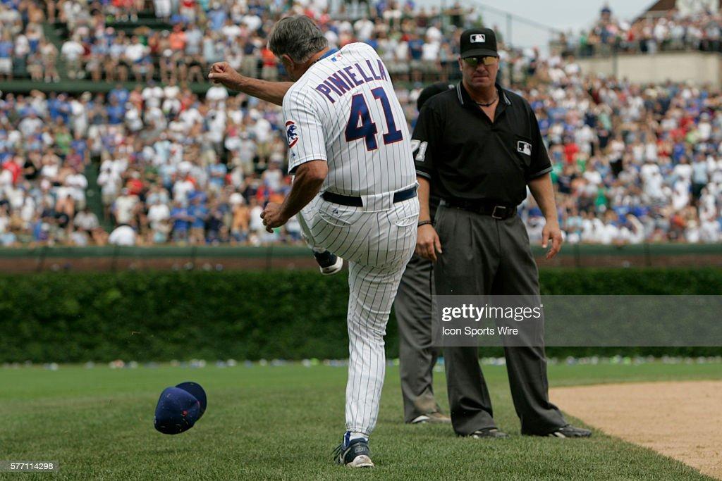 Baseball - Braves vs. Cubs : ニュース写真