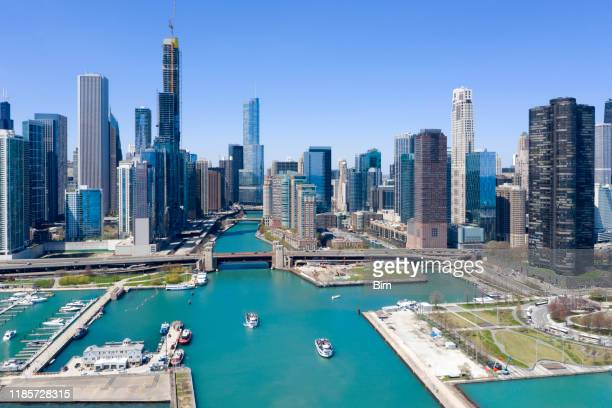 chicago downtown, aerial view - chicago river stock pictures, royalty-free photos & images