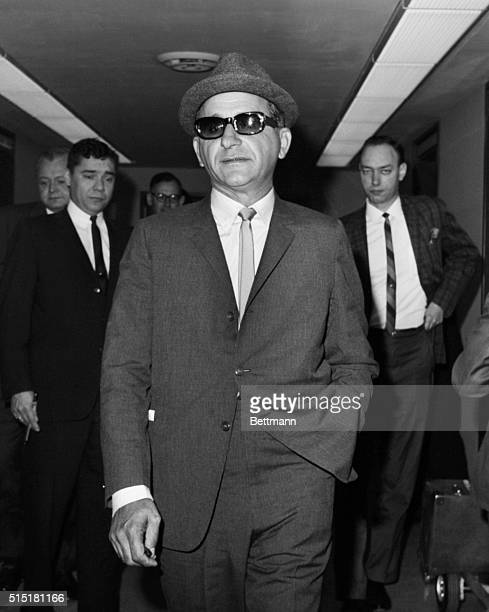 Chicago gangster Sam Giancana arrives for an appearance before a Federal Grand Jury