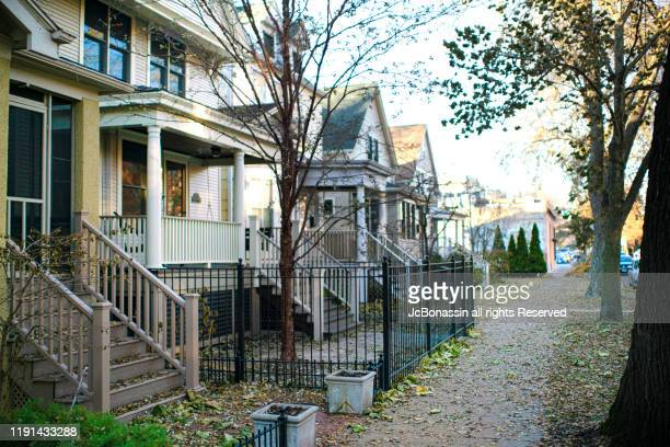 chicago homes - jcbonassin stock pictures, royalty-free photos & images