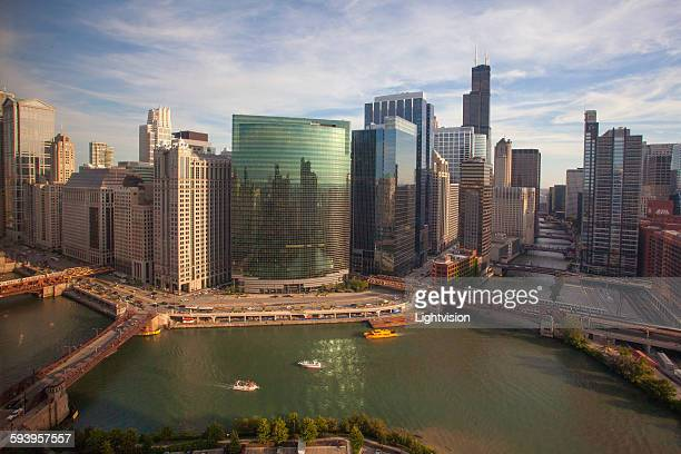 chicago, illinois skyline - chicago river stock pictures, royalty-free photos & images