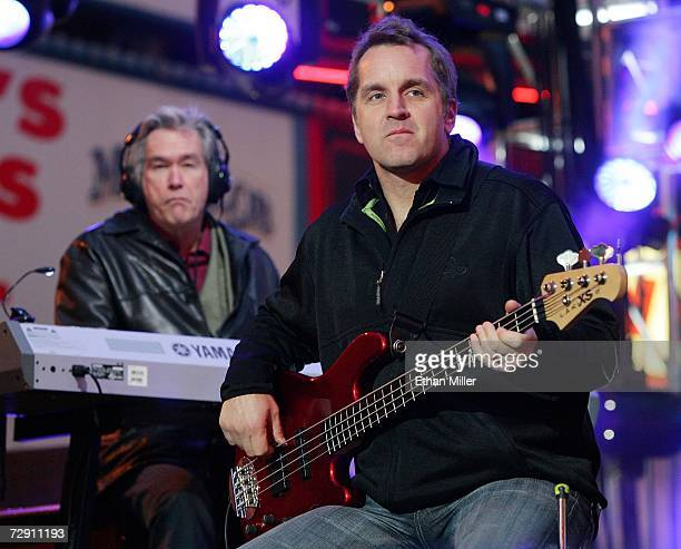 Chicago keyboardist/guitarist Bill Champlin and bassist/singer Jason Scheff perform during the 'CD USA' New Year's Eve event at the Fremont Street...