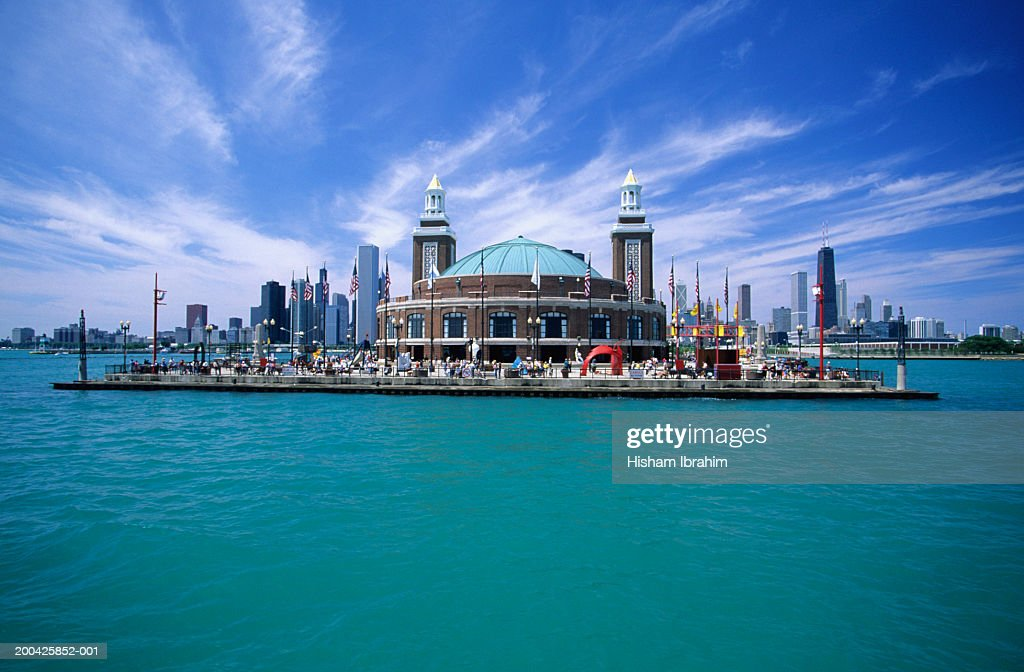usa chicago navy pier and chicago skyline from lake michigan