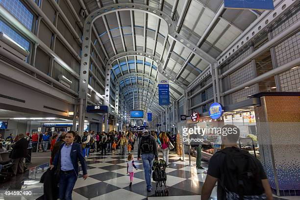 chicago o'hare airport terminal b - ohare airport stock pictures, royalty-free photos & images