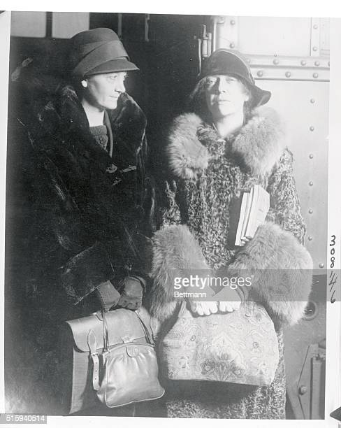 Paulina's Ma In Chicago Photo shows Mrs Nicholas Longworth at the right one of whose claims to distinction as far as Chicago is concerned lies in the...