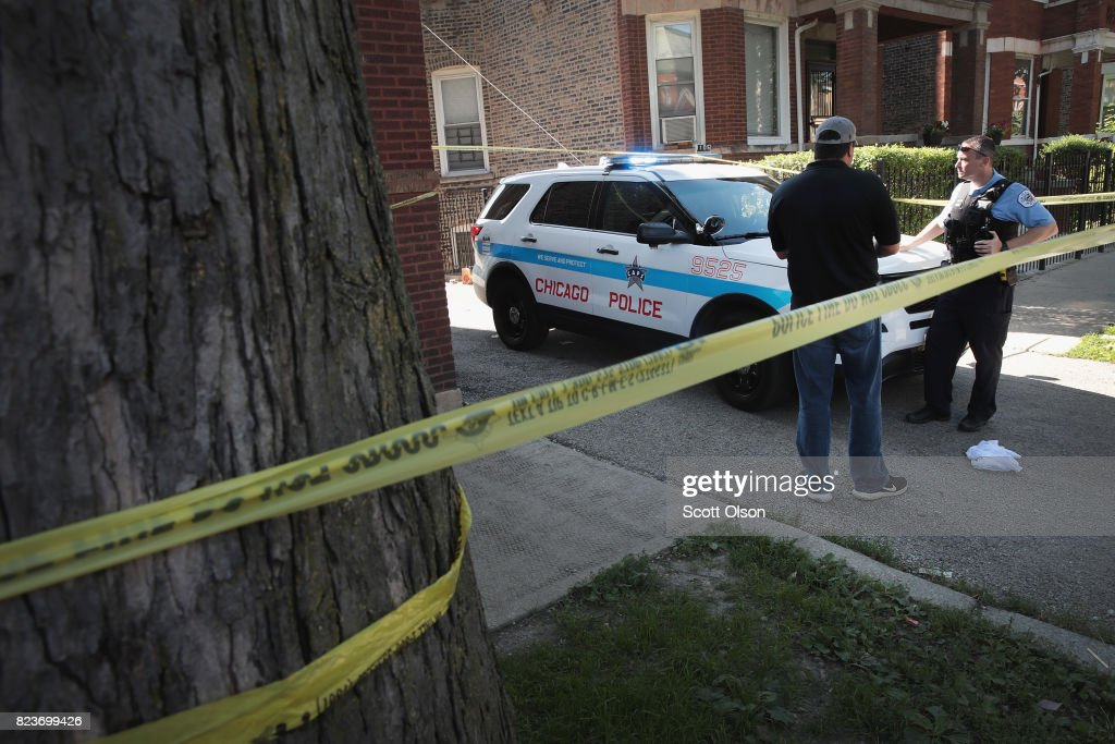 Killing In Humboldt Park Neighborhood Brings Chicago's 2017 Murder Rate To 400 : News Photo