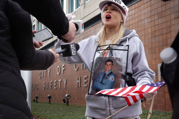 IL: Chicago Fraternal Order Of Police Protests COVID Vaccine Mandate