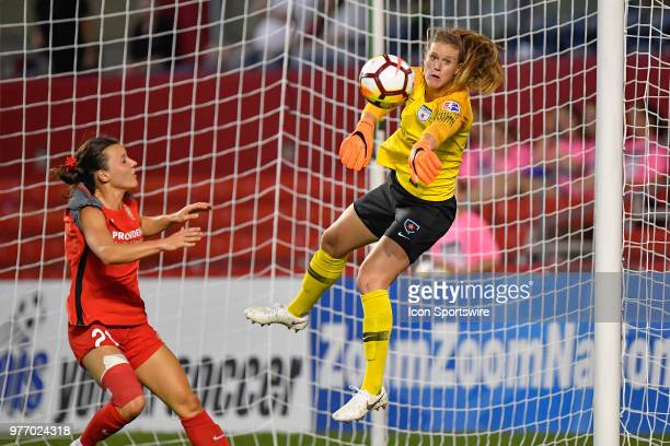 Chicago Red Stars goalkeeper Alyssa Naeher makes the save against Portland Thorns FC's Hayley Raso on June 16 2018 at Toyota Park in Bridgeview...
