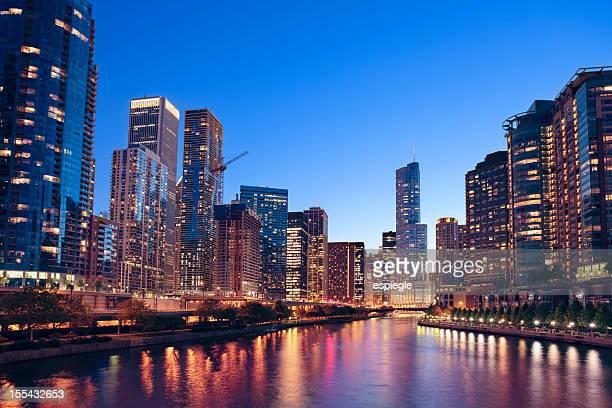 Chicago River und die Stadt