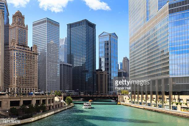 chicago river and cityscape - chicago river stock pictures, royalty-free photos & images