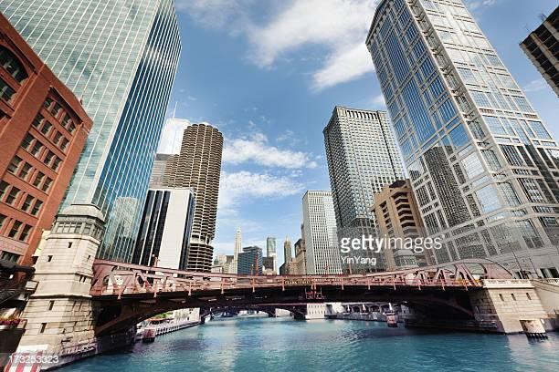 Chicago River und die Skyline der Innenstadt von the Loop Hz