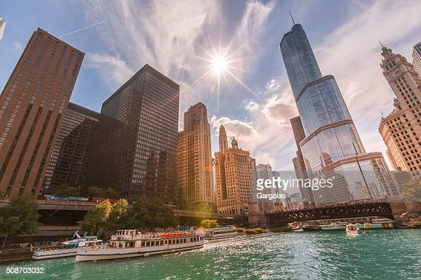 Chicago River and tour boat