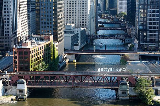 chicago river bridges - chicago river stock pictures, royalty-free photos & images