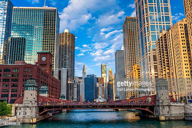 chicago river corridor - chicago river stock pictures, royalty-free photos & images