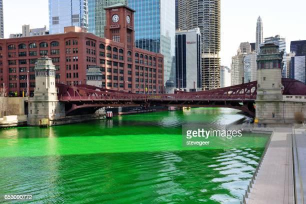 Chicago River, grün für St. Patricks Day Feier