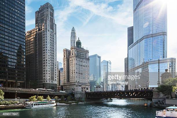 chicago river - chicago river stock pictures, royalty-free photos & images