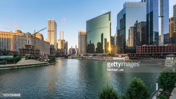 chicago river skyline view - chicago river stock pictures, royalty-free photos & images