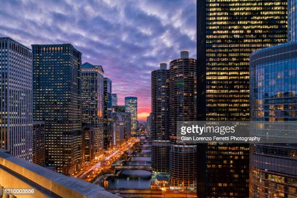 chicago riverwalk at sunset - cityscape stock pictures, royalty-free photos & images