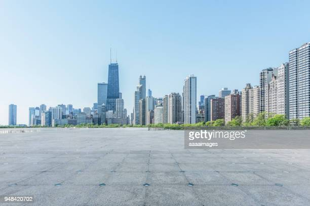 chicago skyline against clear sky,illinois - オフィス街 ストックフォトと画像
