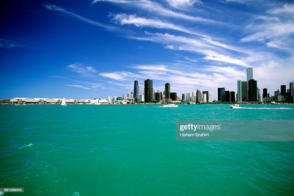 Chicago Skyline And Lake Michigan Chicago Il High Res Stock Photo Getty Images