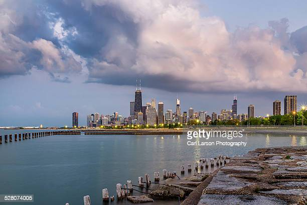 chicago skyline at twilight - fullerton california stock photos and pictures