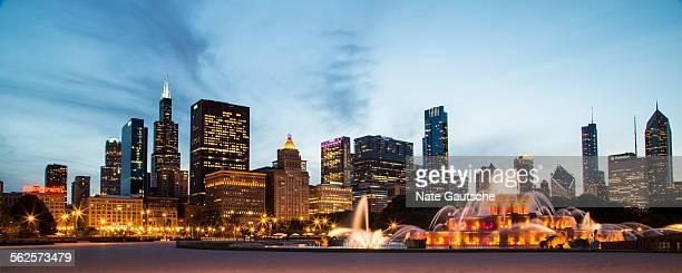 Chicago Skyline Buckingham Fountain