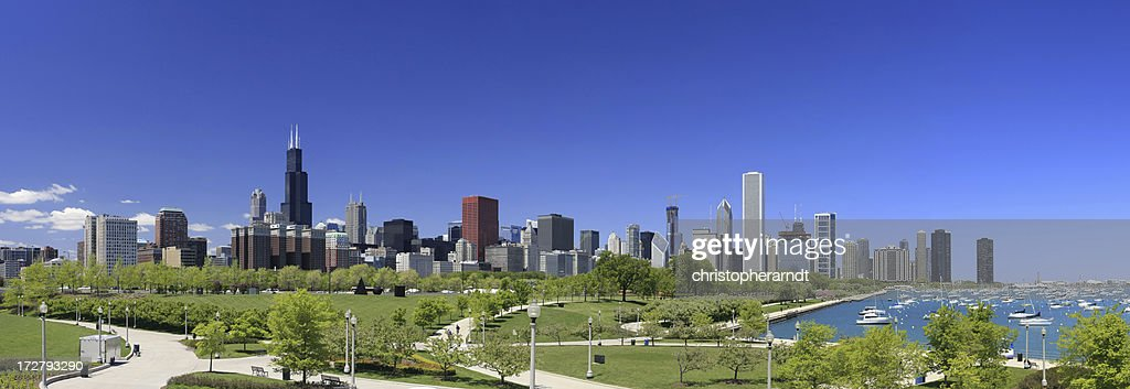 Chicago Skyline Park Panorama : Stock Photo