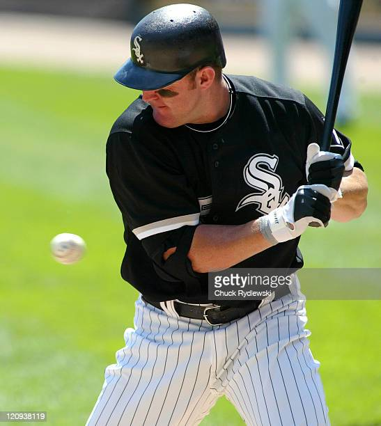 Chicago White Sox' DH Jim Thome watches a Zach Miner fastball during their game against the Detroit Tigers August 13 2006 at US Cellular Field in...