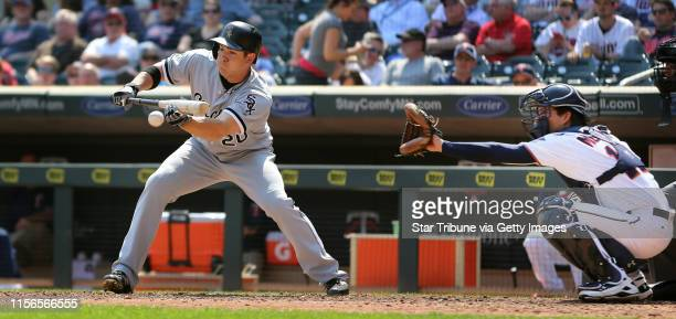 Chicago White Sox left fielder J.B. Shuck hit a sacrifice bunt in the seventh inning at Target Field Thursday April 14, 2016 in Minneapolis, MN. ]...