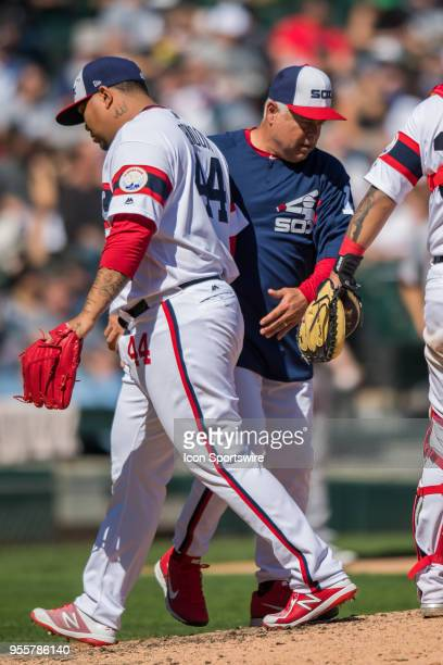 Chicago White Sox manager Rick Renteria takes Chicago White Sox relief pitcher Bruce Rondon out during a game between the Minnesota Twins the Chicago...