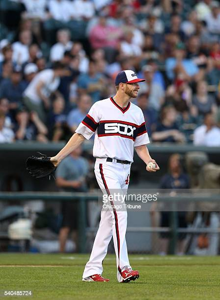 Chicago White Sox pitcher Chris Sale reacts after giving up a tworun home run to the Detroit Tigers' Jose Iglesias in the third inning at US Cellular...