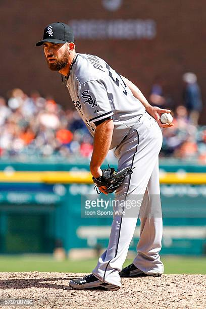 Chicago White Sox pitcher Zach Putnam looks for the pitch sign during a regular season game between the Chicago White Sox and the Detroit Tigers...