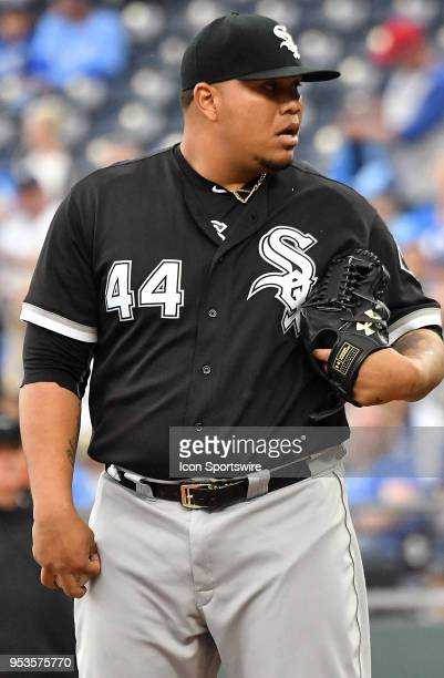 Chicago White Sox relief pitcher Bruce Rondon gets ready to pitch during a MLB game between the Chicago White Sox and the Kansas City Royals on April...