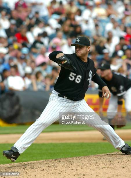 Chicago White Sox' starting pitcher Mark Buehrle pitches during their game against the Minnesota Twins August 27 2006 at US Cellular Field in Chicago...