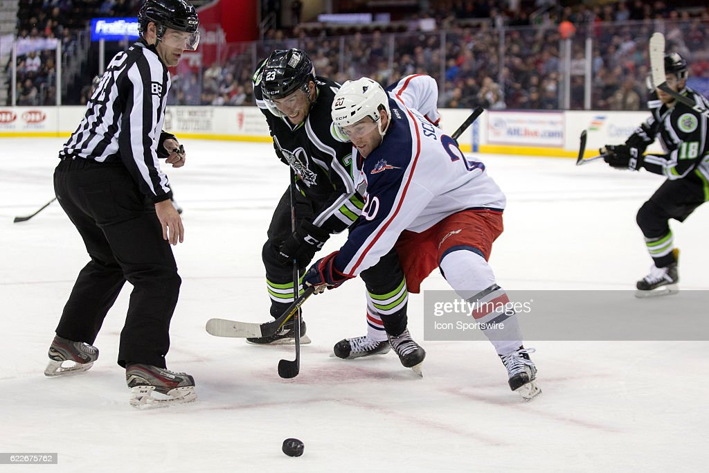 AHL: NOV 11 Chicago Wolves at Cleveland Monsters : News Photo