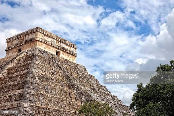 chichen itza, mexico - kukulkan pyramid stock photos and pictures