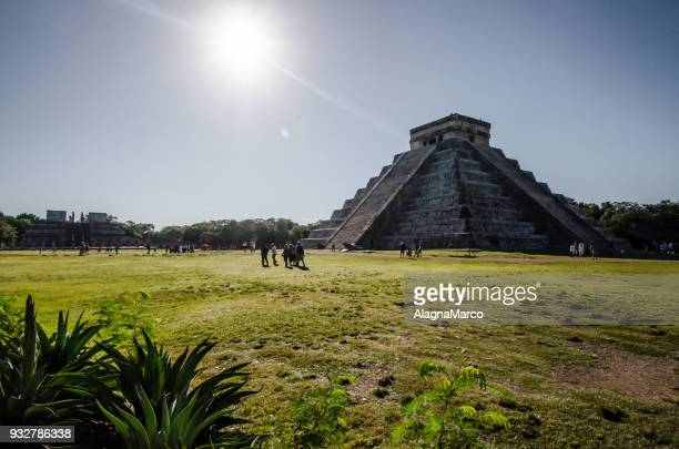 chichén itzá 2 - mayan people stock photos and pictures