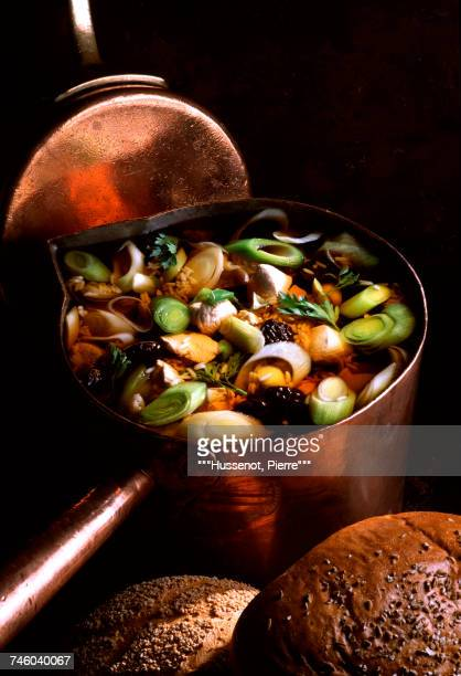 chicken and prune soup - dörrpflaume stock-fotos und bilder