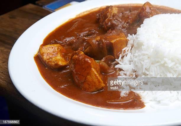 Chicken curry mit gekochten Reis