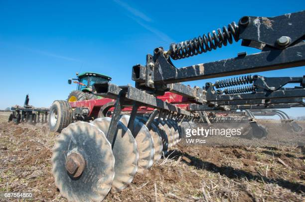 Chicken manure spreading and disk incorporation in Hurlock MD