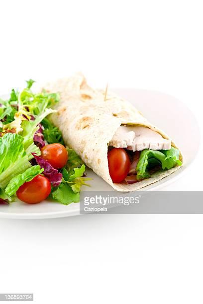 Sándwich de ensalada de pollo envoltura