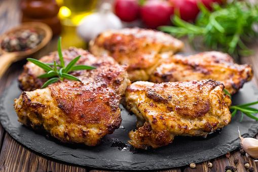 chicken thighs 531469196