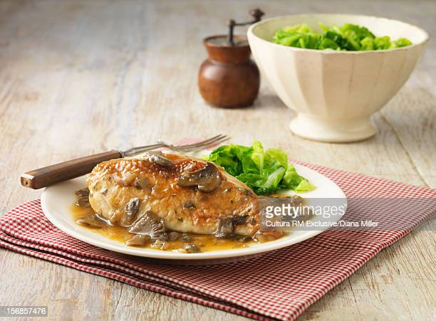 Chicken with mushrooms and sauce