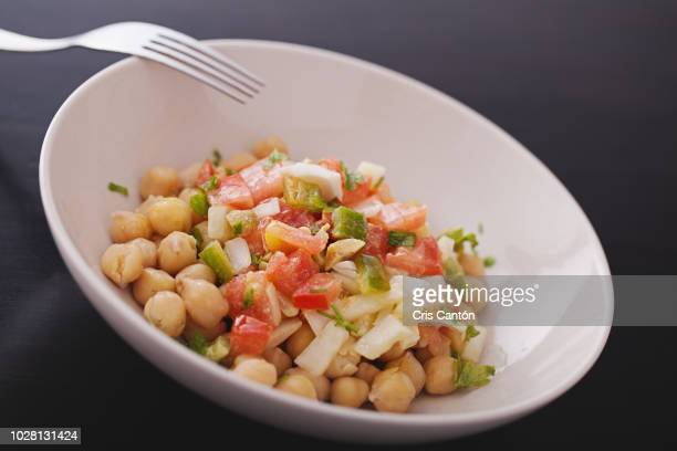 chickpeas salad - cris cantón photography stock pictures, royalty-free photos & images