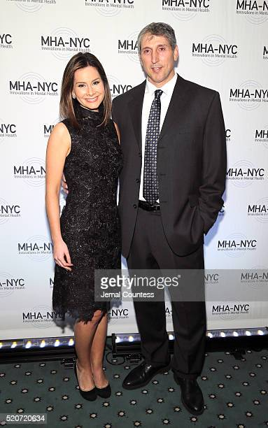 Chief Business and Economics Correspondent at ABC News and a finalist on Season 4 of The Apprentice Rebecca Jarvis and Former NFL Tight End for the...