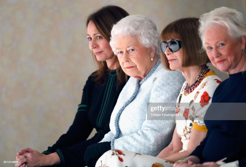 The Queen Presents The Inaugural Queen Elizabeth II Award For British Design At London Fashion Week : ニュース写真