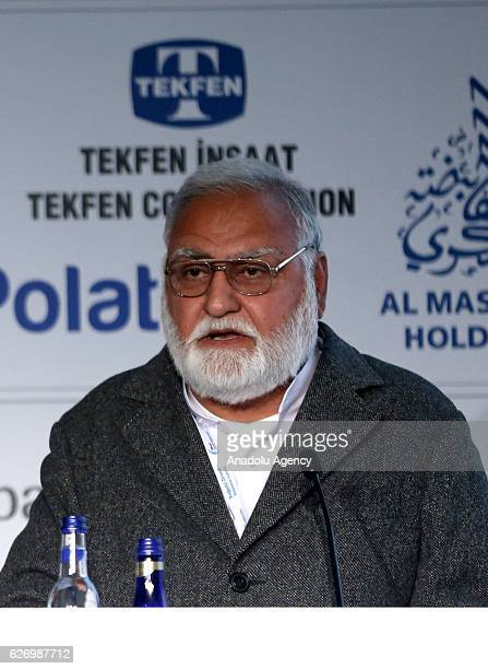 Chief Minister of Pakistan's North West Frontier Province Akram Khan Durrani delivers a speech at the 'International Investment session' during the...