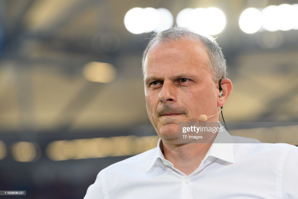 FC Schalke 04 v FC Bayern Muenchen - Bundesliga : Nachrichtenfoto